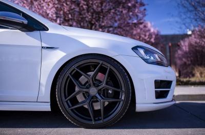 Volkswagen Golf / R / GTI Concaver CVR2 Carbon Graphite