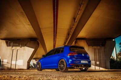Volkswagen Golf / R / GTI Concaver CVR1 Carbon Graphite