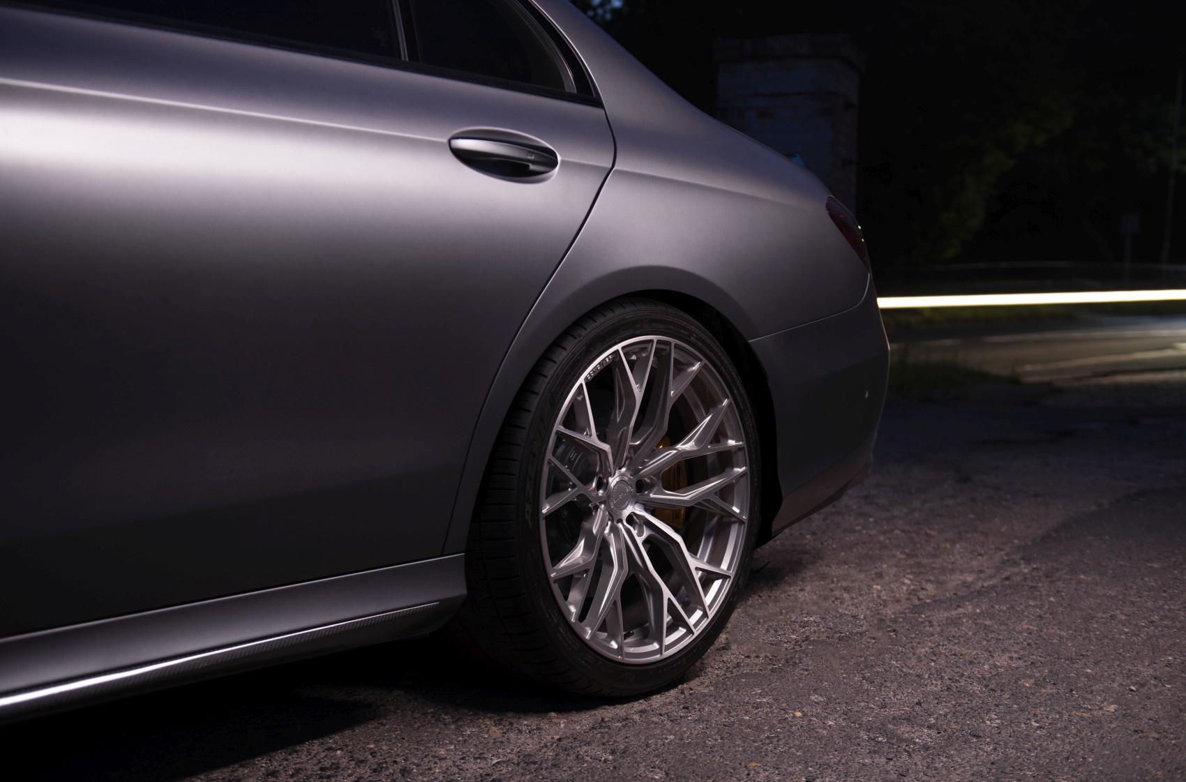 Mercedes-Benz E Class / E63 Concaver CVR1 Brushed Titanium