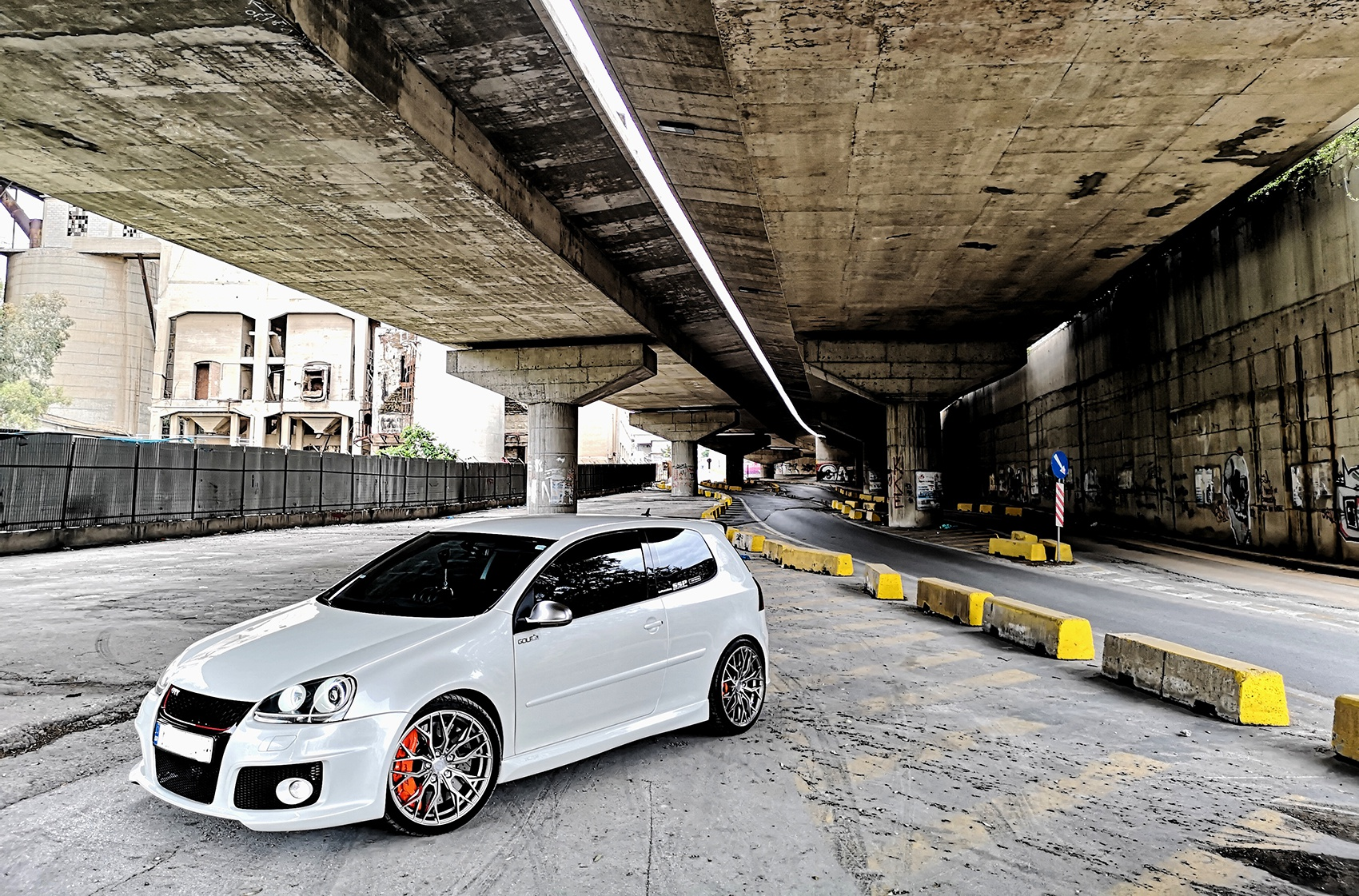Volkswagen Golf / R / GTI Concaver CVR1 Brushed Titanium