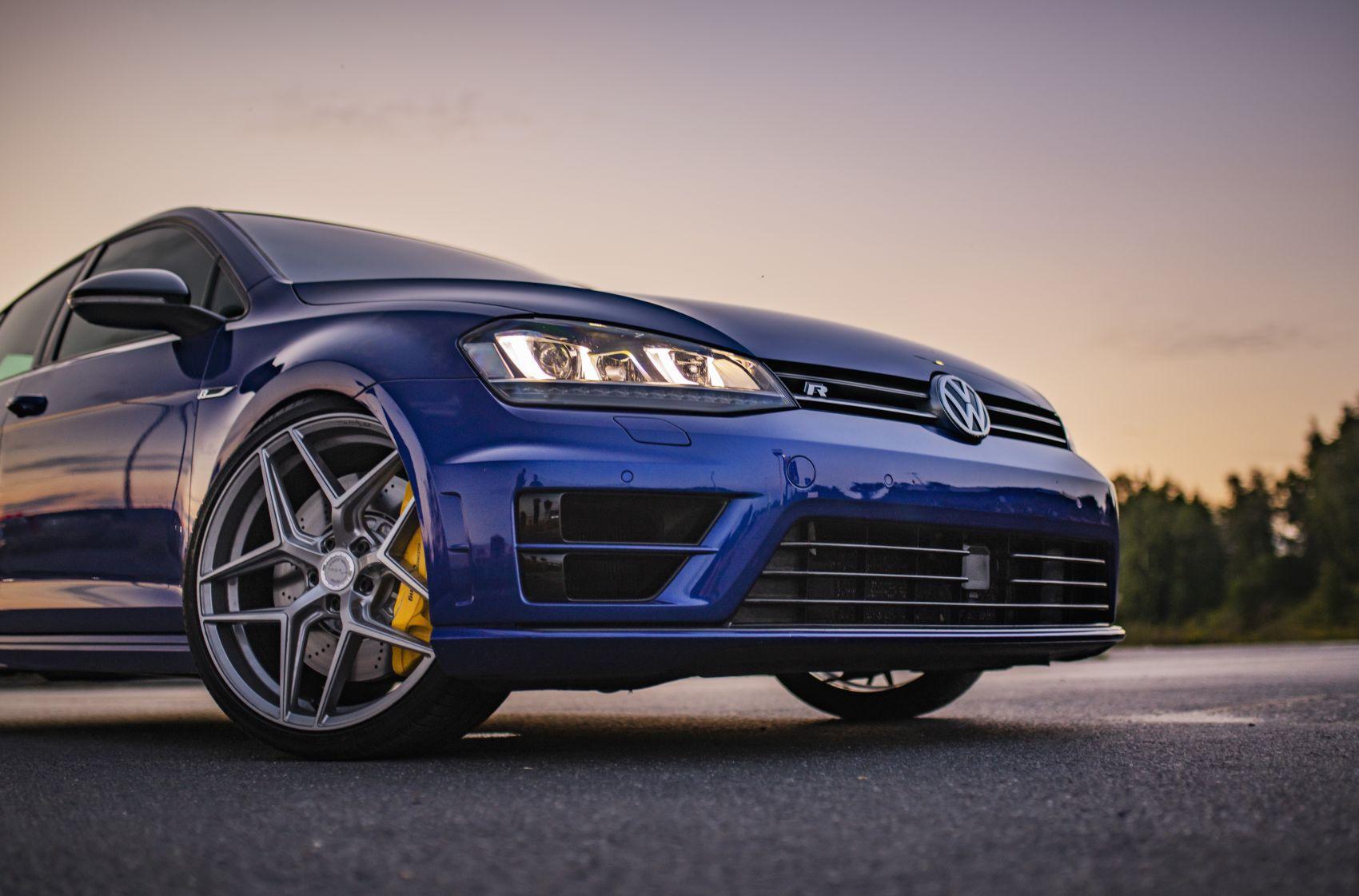 Volkswagen Golf / R / GTI Concaver CVR2 Brushed Titanium