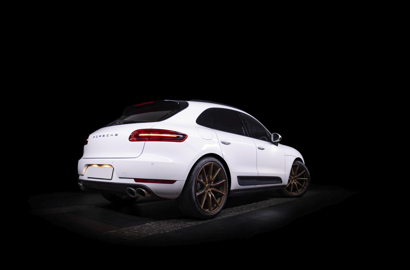 Porsche Macan Concaver CVR4 Brushed Bronze
